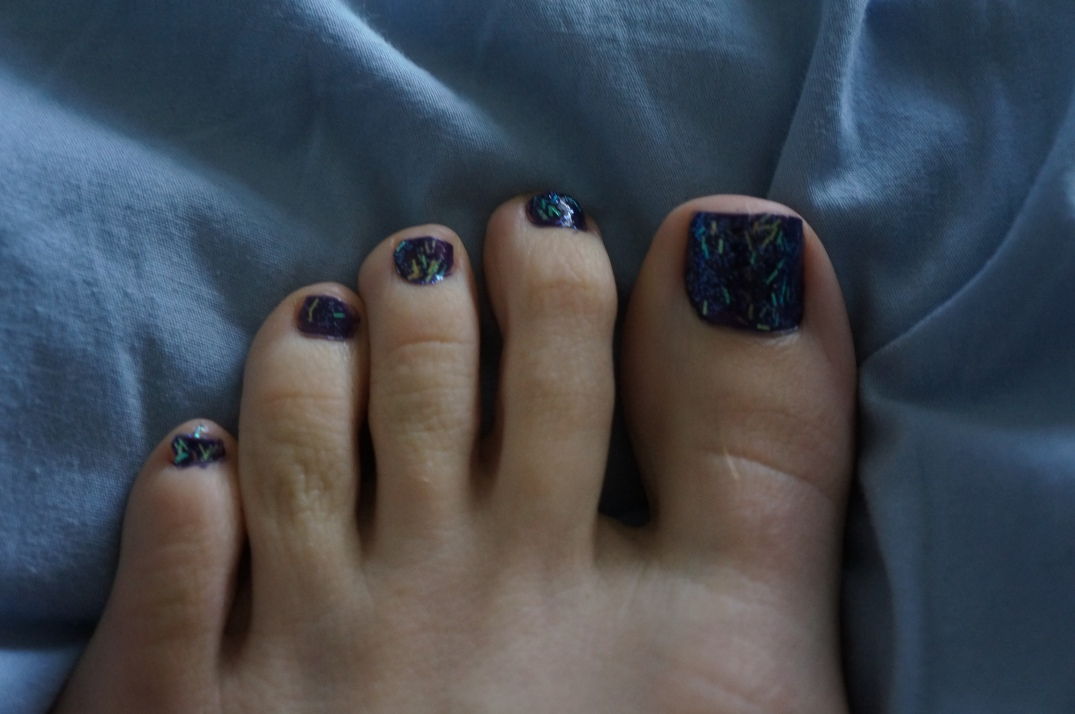 Looking at this zoomed-in makes me want to file my nails a little straighter.