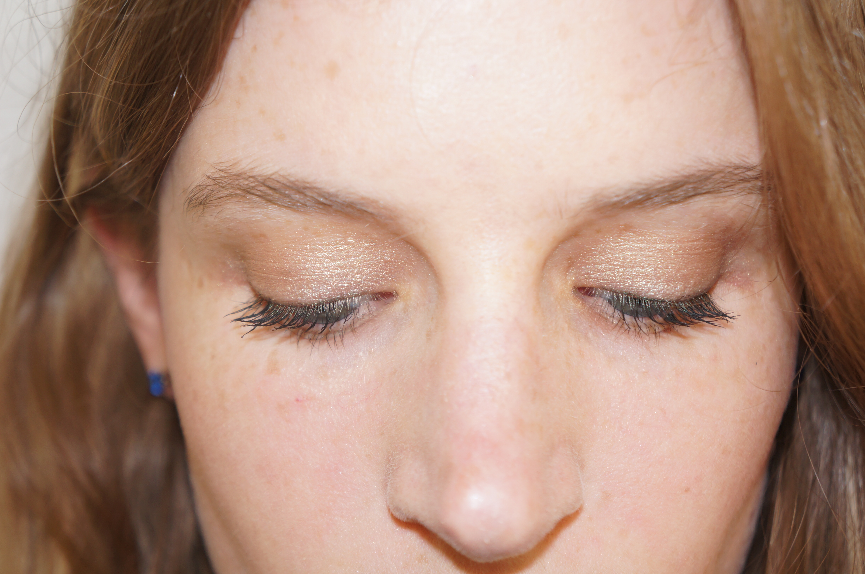 Daytime eye makeup for green eyes