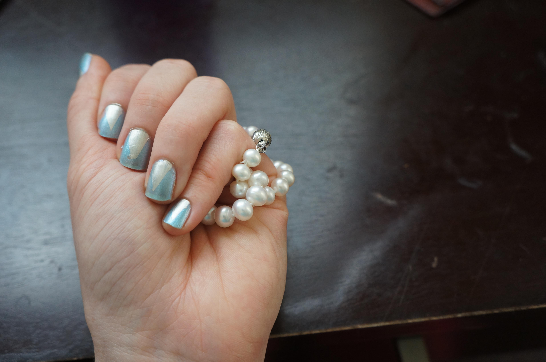 Nail Art for Klutzes: Art Deco Manicure – Nath Attack