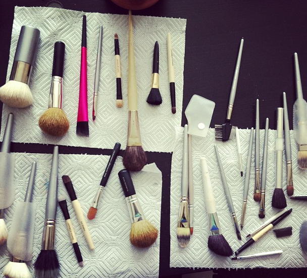 makeup brush washing